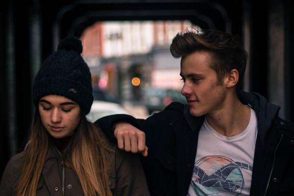 Alasan Cowok Tidak Peduli Dengan Masa Lalu Pasangannya