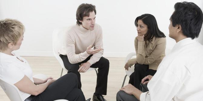 Alasan Menggerakkan Tangan Ketika Berbicara